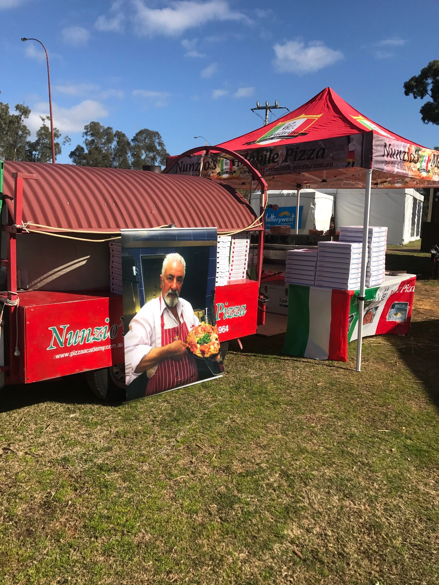 Nunzio's Mobile Pizza - Pubs and Clubs