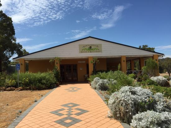 Alicia Estate Winery  Restaurant - Pubs and Clubs