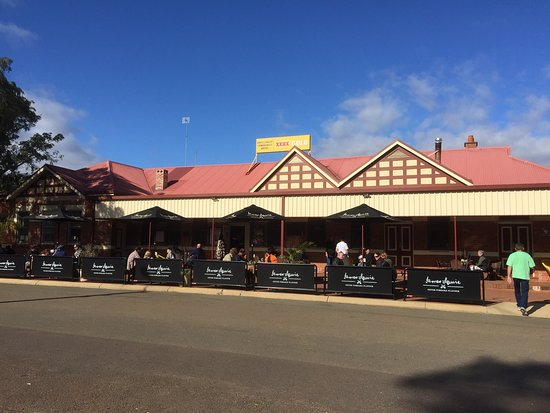 dwellingup hotel - Pubs and Clubs