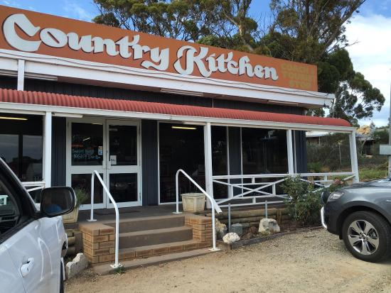 Selena's Ravy Country Kitchen