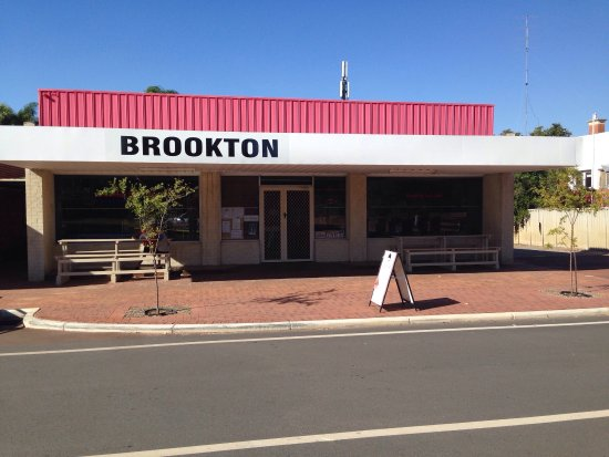 Brookton Deli - Pubs and Clubs