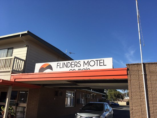 Flinders Motel On Main - Pubs and Clubs