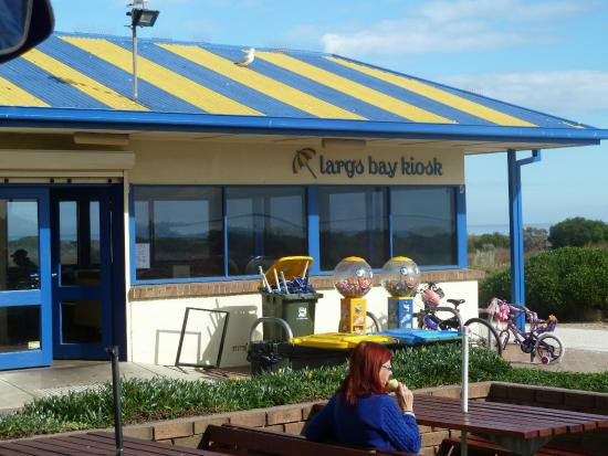 Largs Bay Kiosk - Pubs and Clubs