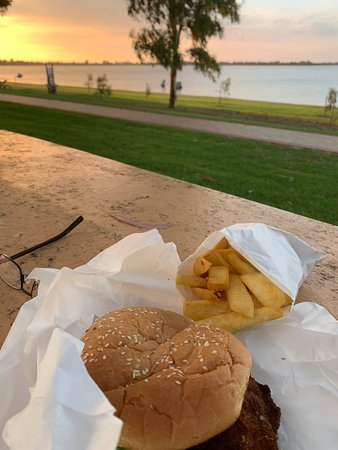 Barmera Chicken and Seafood - Pubs and Clubs