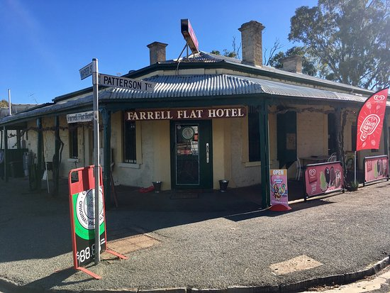Farrell Flat Hotel - Pubs and Clubs