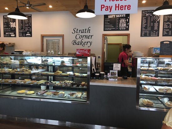 Strath Corner Bakery - Pubs and Clubs