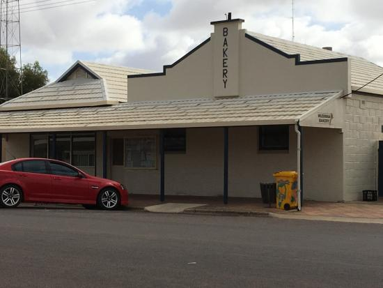 Wudinna Bakery - Pubs and Clubs