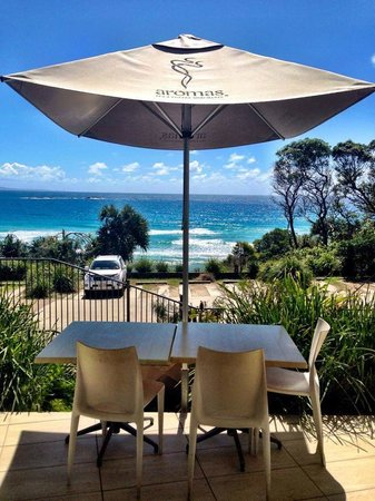 Manta Ray Bistro at Stradbroke Island Beach Hotel - Pubs and Clubs