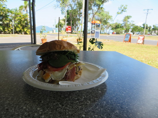 Dunk Island View Cafe - Pubs and Clubs