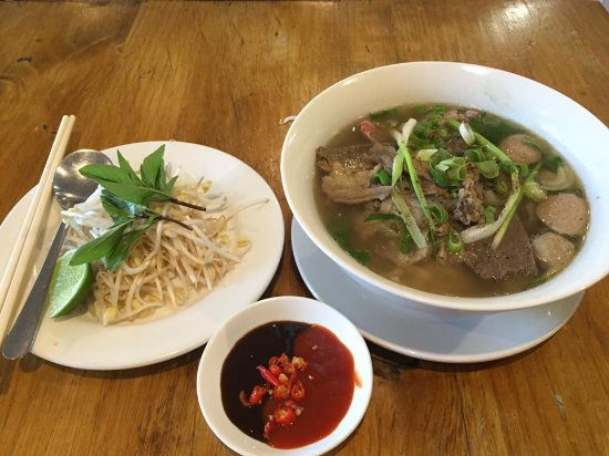 Lan's Vietnamese Restaurant - Pubs and Clubs