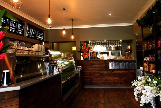 Le Sorelle Coffee House - Pubs and Clubs