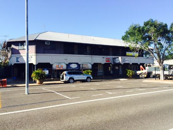 The Burdekin Hotel Restaurant - Pubs and Clubs