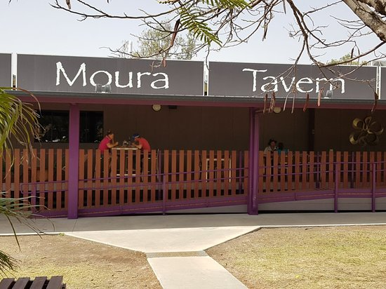 Moura Tavern - Pubs and Clubs