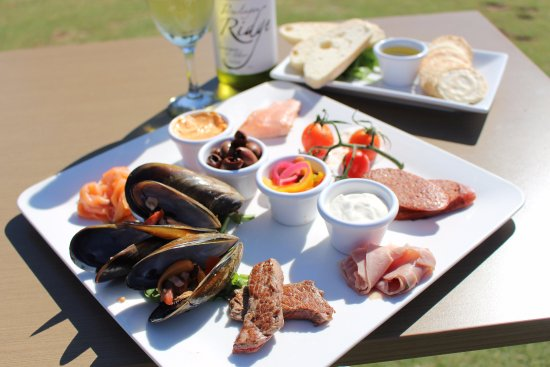 Portarlington Golf Club Bistro - Pubs and Clubs